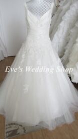 Amanda Wyatt ivory V- neck wedding dress UK 14/16