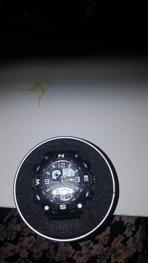 Mens makita 98P155 sports watch