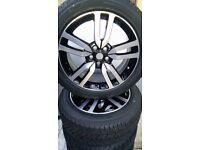 "20"" NEW GENUINE LAND ROVER DISCOVERY 4 ALLOY WHEELS AND PIRELLI TYRES"