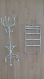 2 x white jewellery stands in excellent condition.