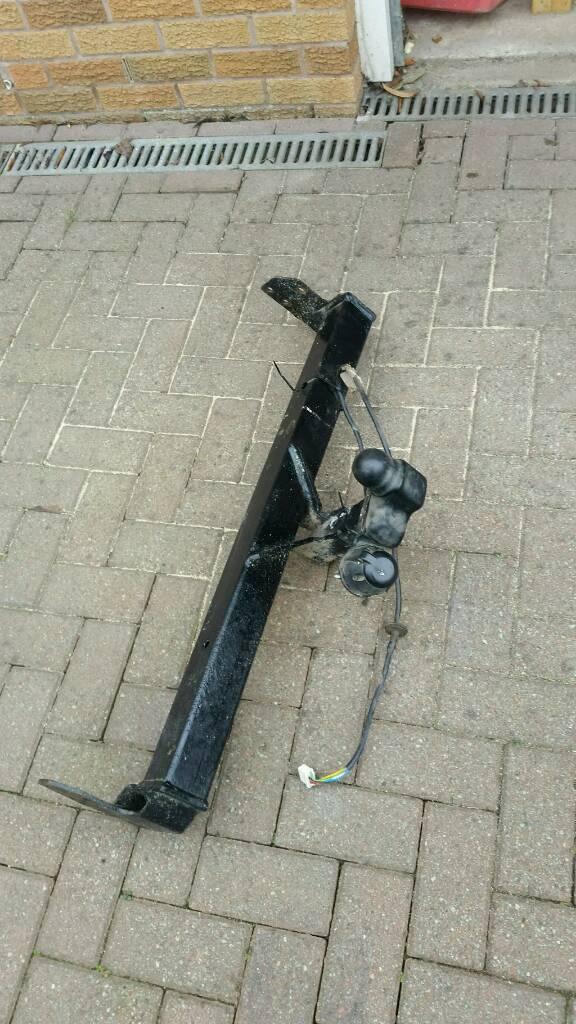 TOW BAR FREELANDER 1