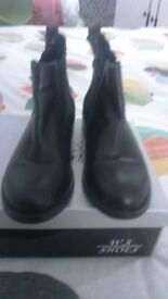 Ladies size 3 ankle boot