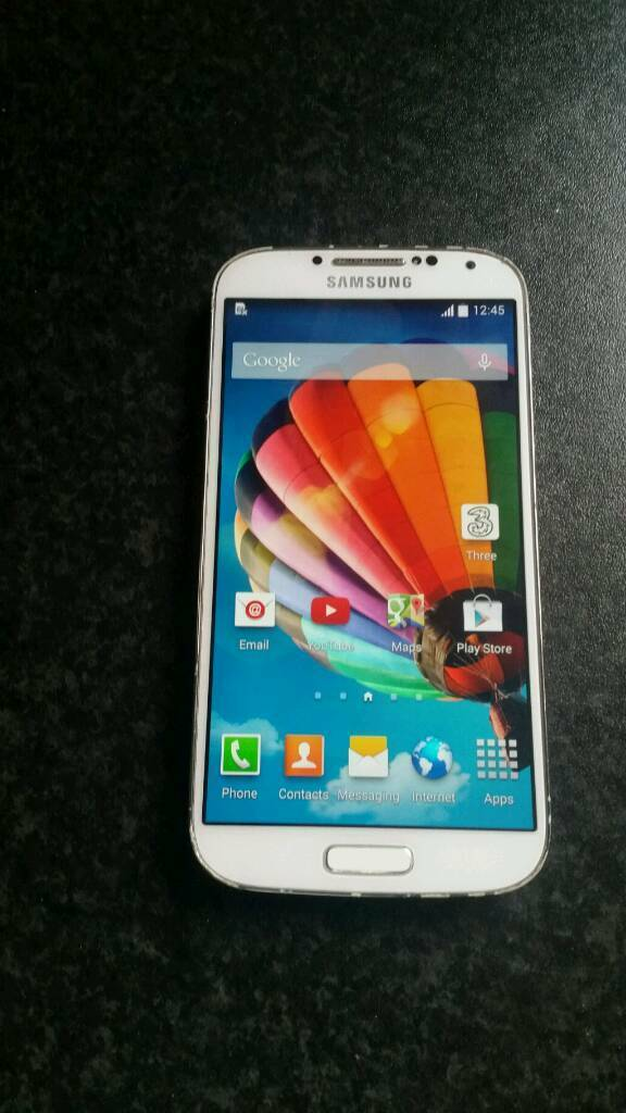 Samsung galaxy s4 large NOT S4 MINI open to all networksin Sheffield, South YorkshireGumtree - Samsung galaxy s4 large style not mini,unlocked to all networks always had a screen protector on so screen excellent condition,odd wear mark to bevel see pics,but other than that works mint new upgrade forces sale comes with charger too.call...