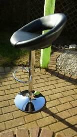 Breakfast bar high chair