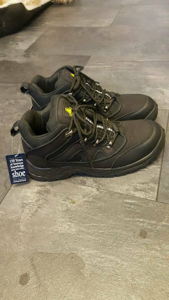 Amblers safety boots new size10