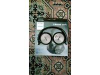 Wireless Phillips Headphones