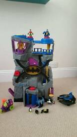 Imaginex Batcave and extra characters