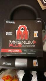 Magnum bike / cycle large lock