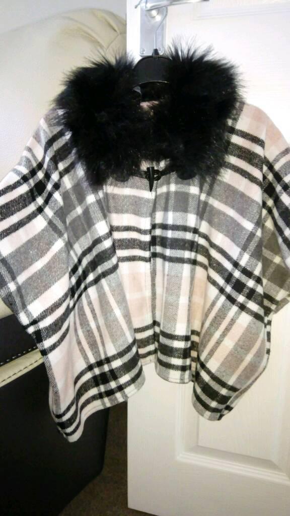 Girls cape 6-7years