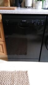 Quick sale needed! Black Bosch dishwasher in excellent condition - purchased December 2016
