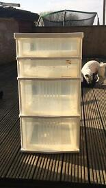 Plastic drawer set