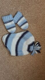 Baby Boys warm Hat and Glove set from Next age 0-3 months