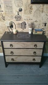 Shabby chic/vintage chest of drawers with cracks (black and white) solid wood.