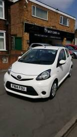 LOVELY CLEAN AYGO 1.0 SAT NAV 14 REG