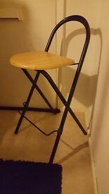 Folding bar stool