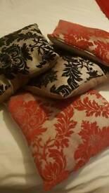 4 x cushions