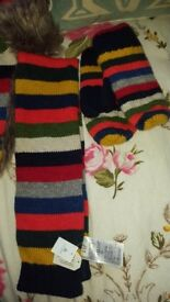 GAP boys hat scarf and gloves set brand new with tags