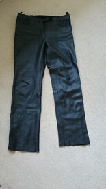 Size 16. A Great Pair of Ladies Quality Leather Hein Gericke Bike Pants