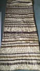 Gold and brown bed throw 204x150cms