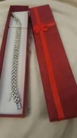 18k white gold swarovski bracelet