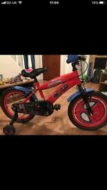 Spider-Man 16 bike with stabilisers