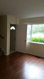 2 BDRM, 3 LEVEL TOWNHOUSE IN DARTMOUTH AVAILABLE MARCH 1ST