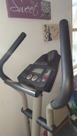 Pro form cross trainer very robust and heavy