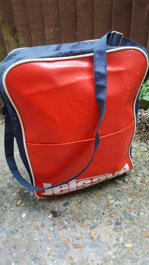 Original 1970s Jetsave Bagin Horley, SurreyGumtree - Original Retro Jetsave Flight Bag..1970s Flight/messenger bagcollection nr Gatwick but postage available on request x