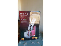 BERG J250 Pro Juicer in its original package perfectly working!