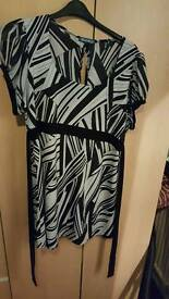 Black and white top size 24/26