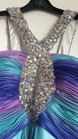 Stunning ball room/prom dress !