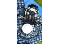 Henley 4 piece Picnic Hamper Backpack, fantastic piece of kit for entertaining!
