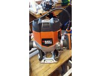 Black & Decker 1400watt router, very light use. complete