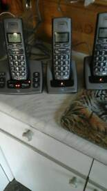Triple cordless phones