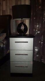 2x Bedside drawers/units