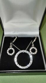 Silver plated costume jewellery: