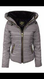 WOMANS GREY PUFFER JACKET .. S/M