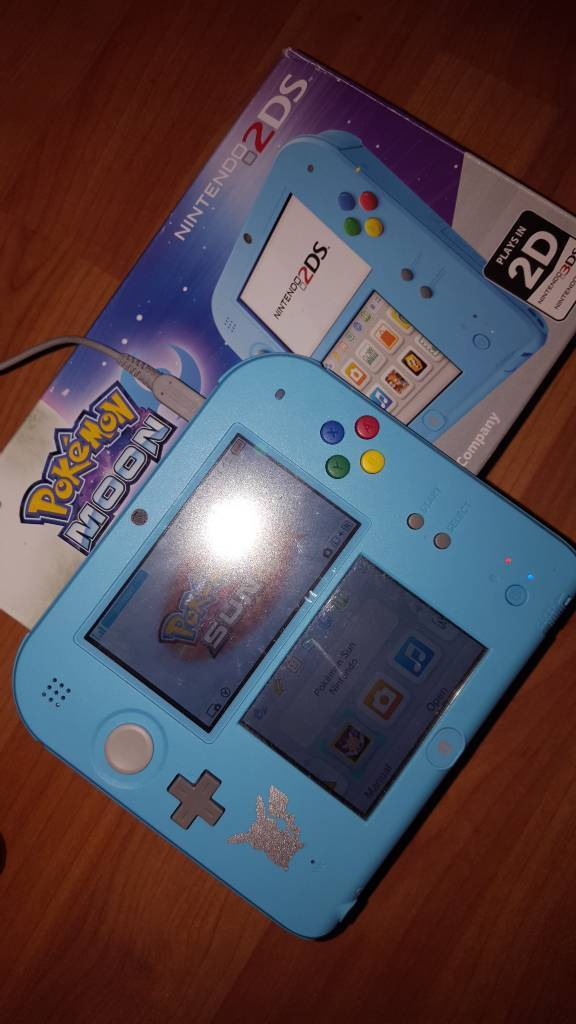 Nintendo 2ds limited edition with game