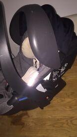 Stokke iZi GO car seat by BE SAFE