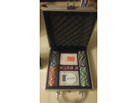 100 Piece Poker Set Casino Style Chips Lockable Carry Case NEW and Unused