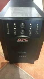APC Smart-UPS 1000