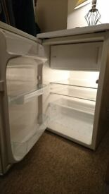 ZANUSSI / Electrolux 146l Undercounter Fridge with Freezer - in excellent condition!