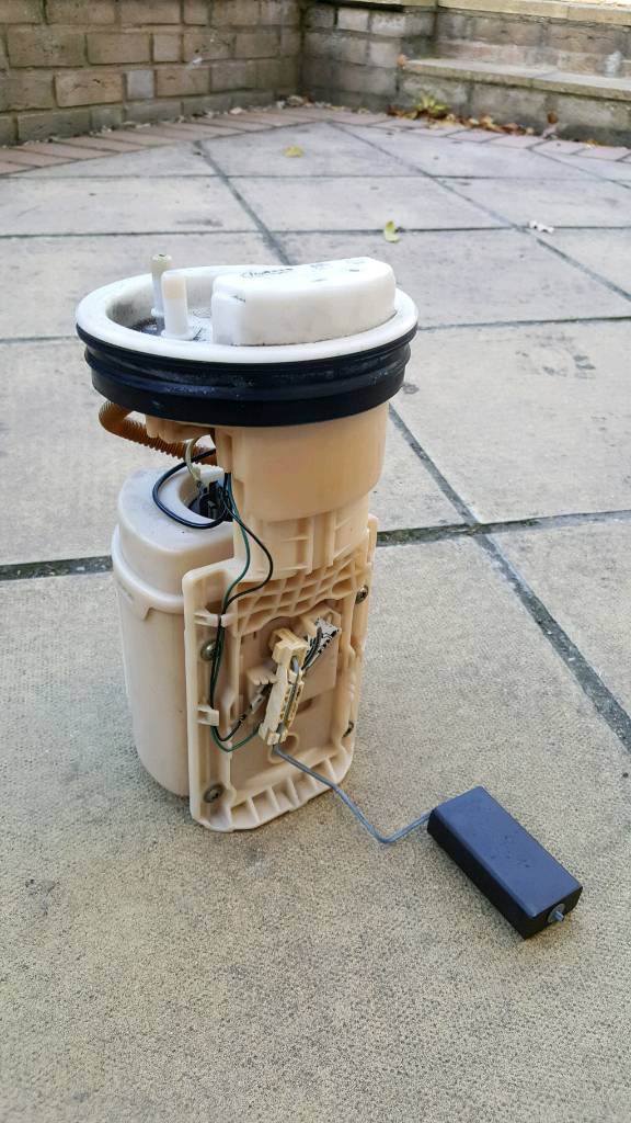 VW FUEL PUMP UNLEADED FROM 1999 1.6 PETROL GOLF - WORKS PERFECTLY