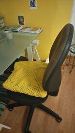 comfortable desk chair