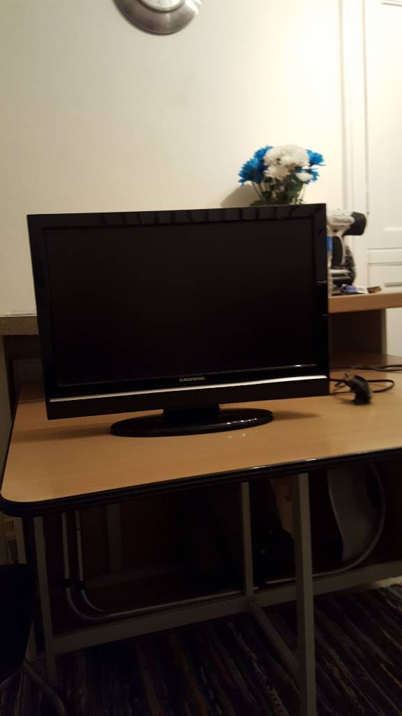 "Grundig 19"" TV/DVD HD ready with freeview"