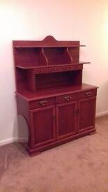 Dresser/cabinet
