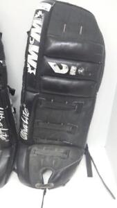 Vic Ultra Lite 2 Goalie Pads (1) (#10456) (OR103481) We Sell New and Used Sporting Goods!
