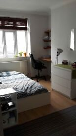 Large Bright Double Room in ANGEL