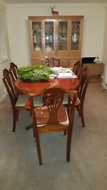 Yew extendable table and chsors 2 arvers