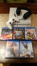 PS4 with 5 games + TurtleBeach Bluetooth Headset